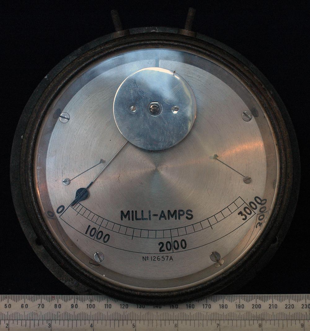 Hot-wire ammeter